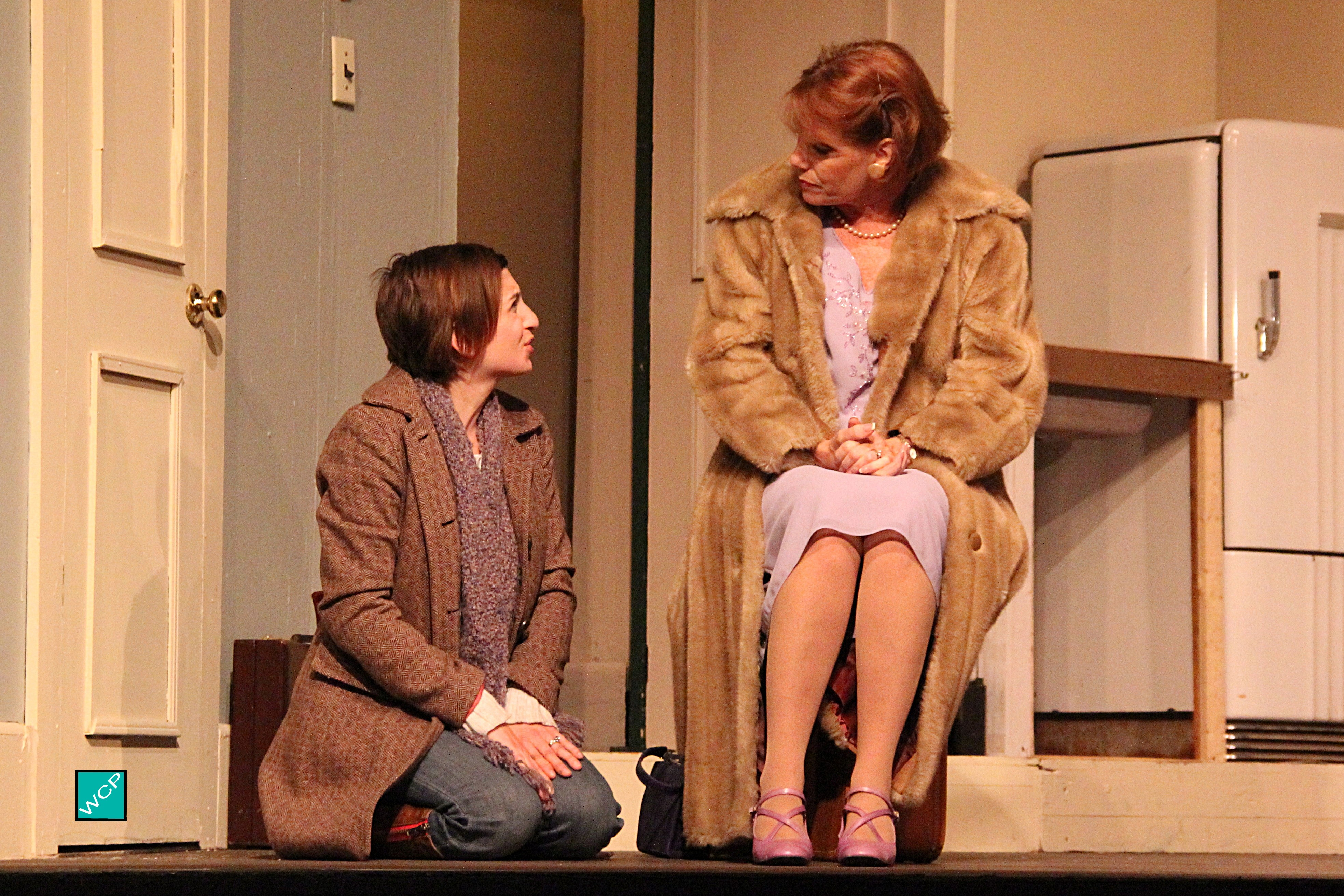 Debbie Campanali as Corie, Zita Geoffroy-Heinz as Mrs. Banks